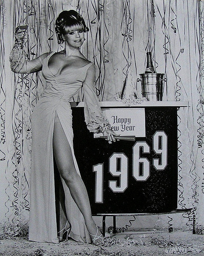 1960s-wine-celebration-dp