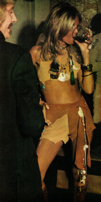 1970s-new-york-fashion-party-with-wine-life-magazine