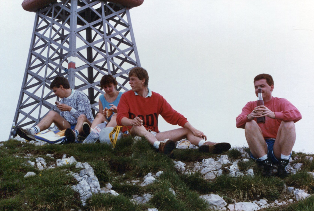 1980s-evian-wine-picnic-geneva