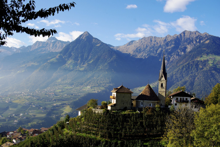 Alto-Adige-Vineyards-View-Epic-Travel-Italy-Schimonski