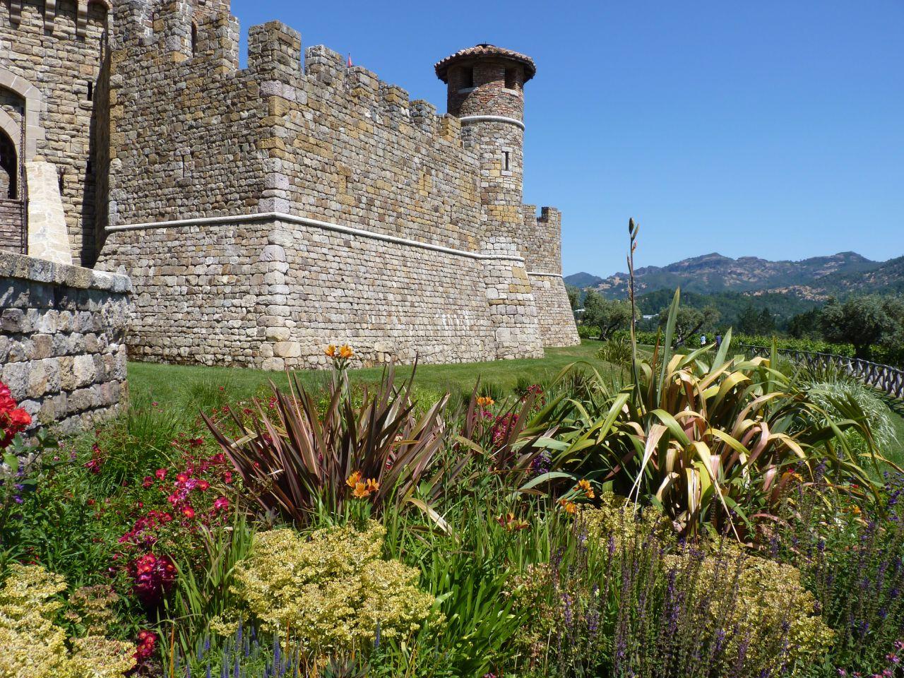 Castello-di-Amorosa-ychamyuen