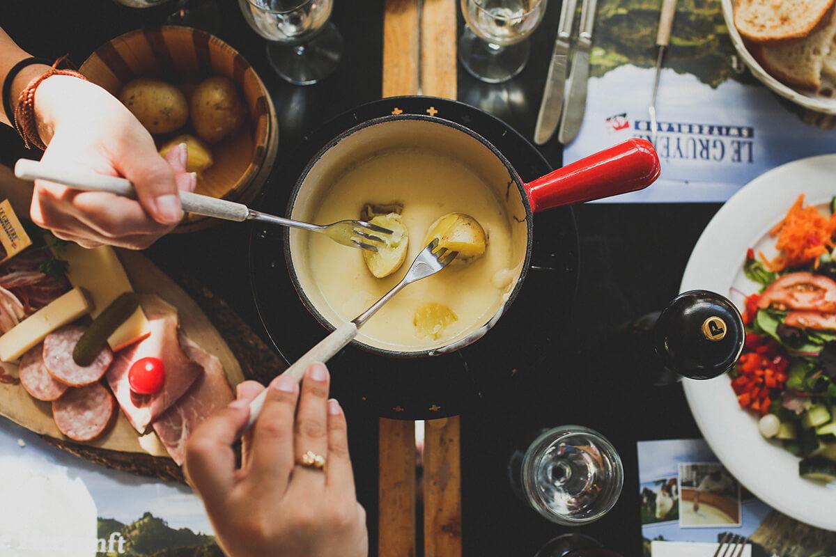 nye-wine-pairings-fondue