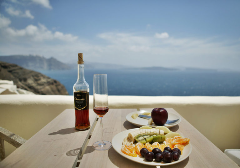 Santorini-Vinsanto-by-Frank-lee