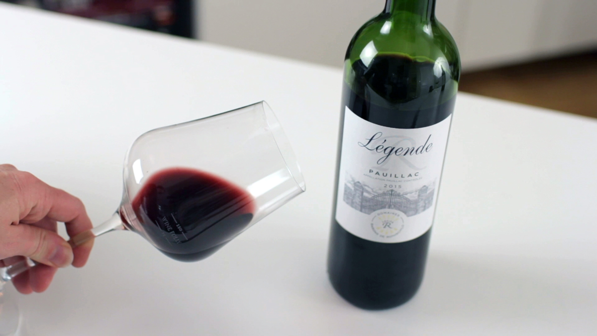 legend-pauillac-2015-bordeaux-wine-glass