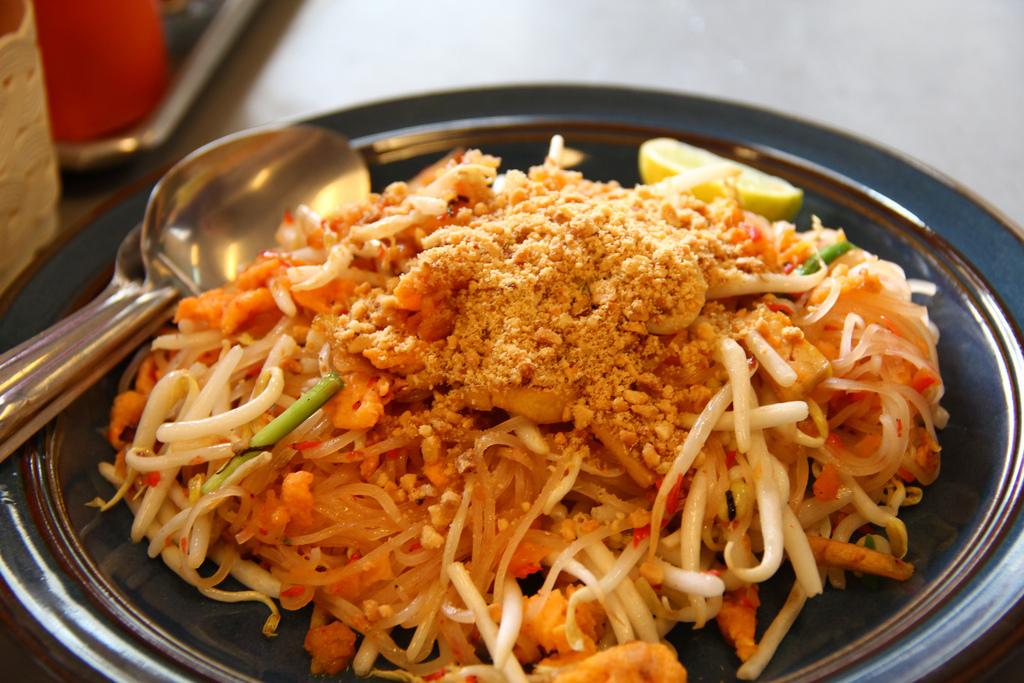 legit-pad-thai-Thanakrit-Gu