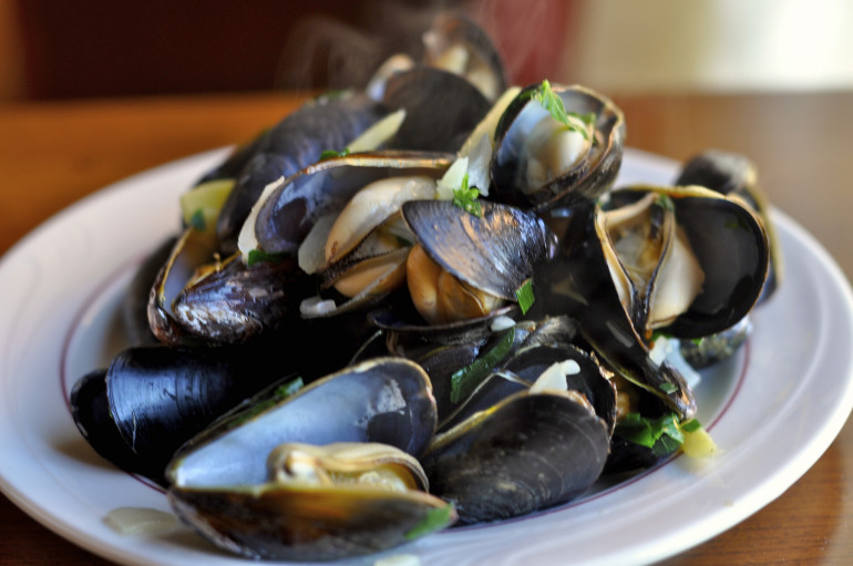 Mussels and dry white wines
