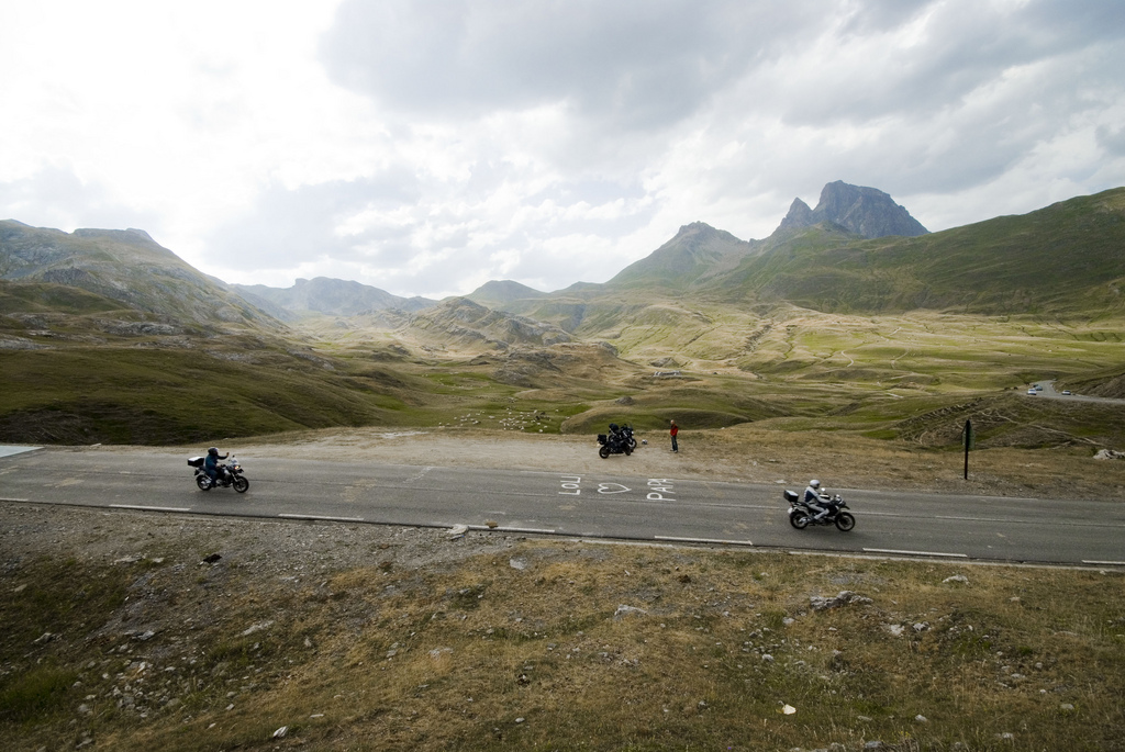 pyrenees-mountains-motorcycle-trip-wine-country
