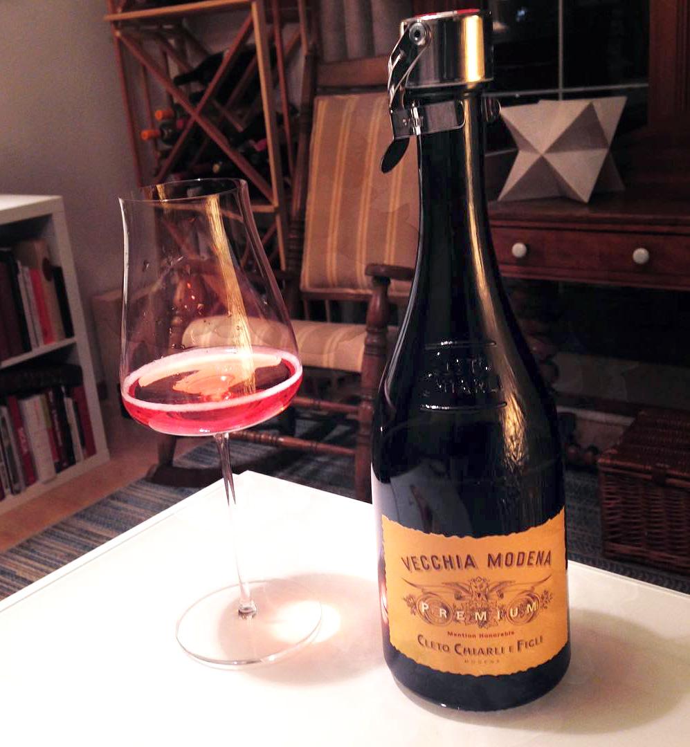 vecchia-modena-lambrusco-di-sorbara-cleto-chiarli-wine-folly
