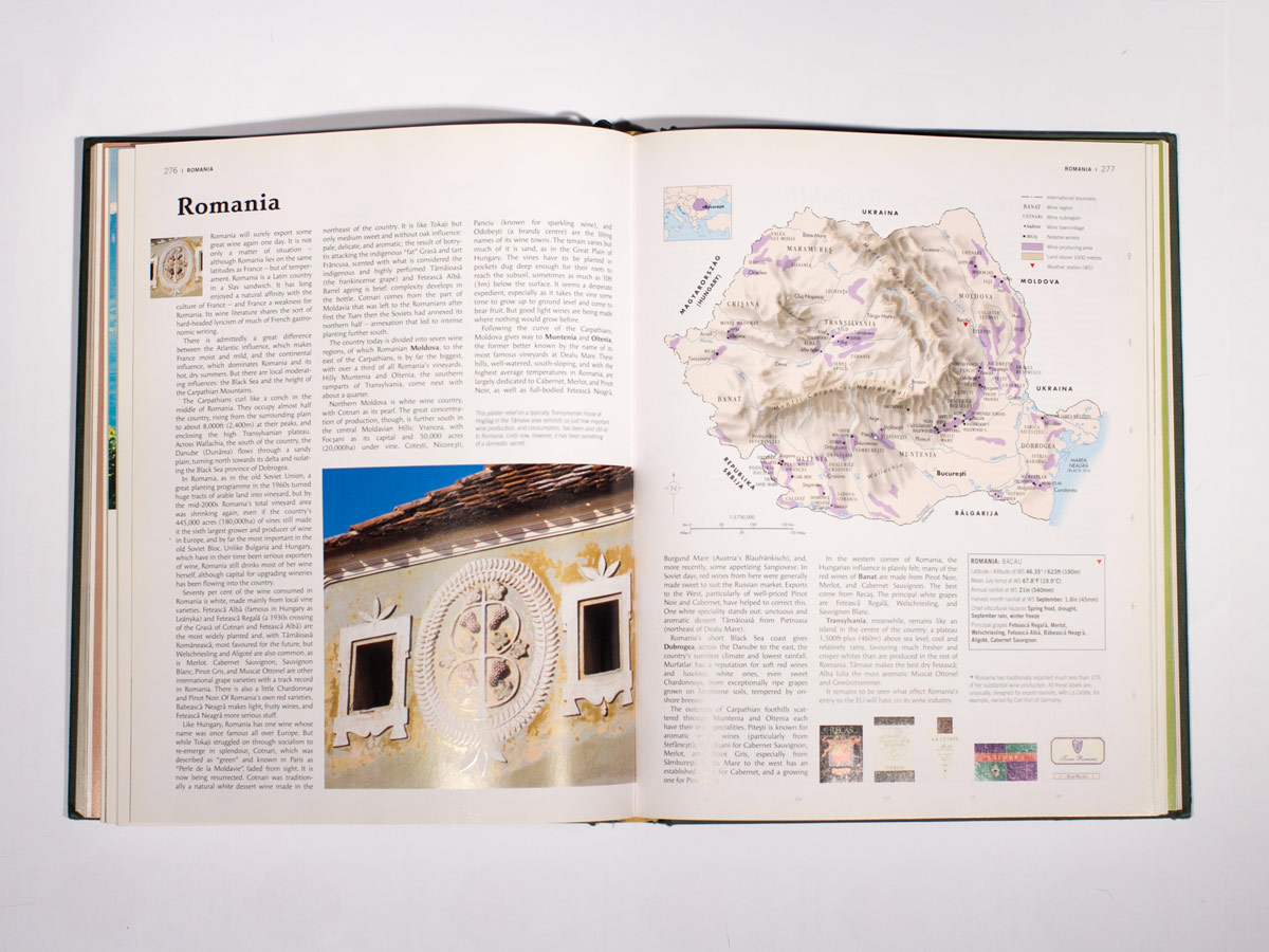 World Atlas of Wine 6th Edition Interior Shot
